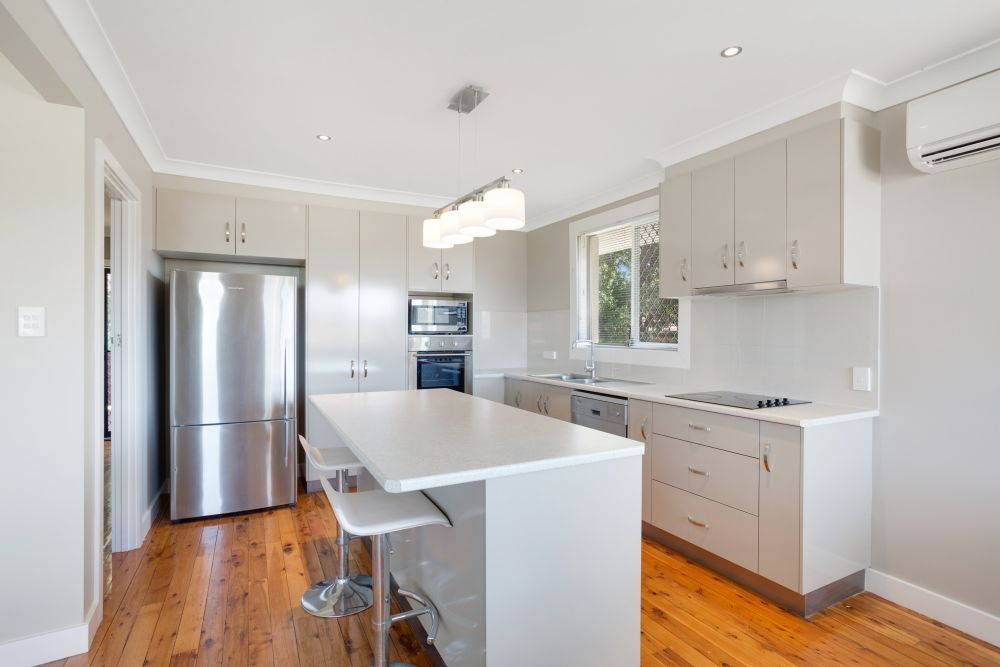 11 Skehan Street, Centenary Heights QLD 4350, Image 1
