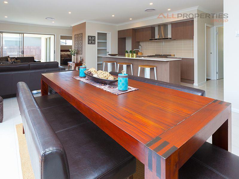 8 Rise Place, Heathwood QLD 4110, Image 1
