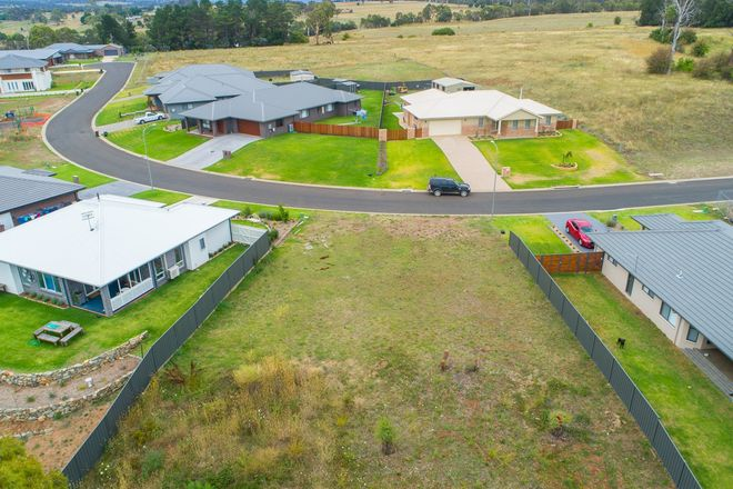 Picture of 26 Grandview Crescent, ARMIDALE NSW 2350