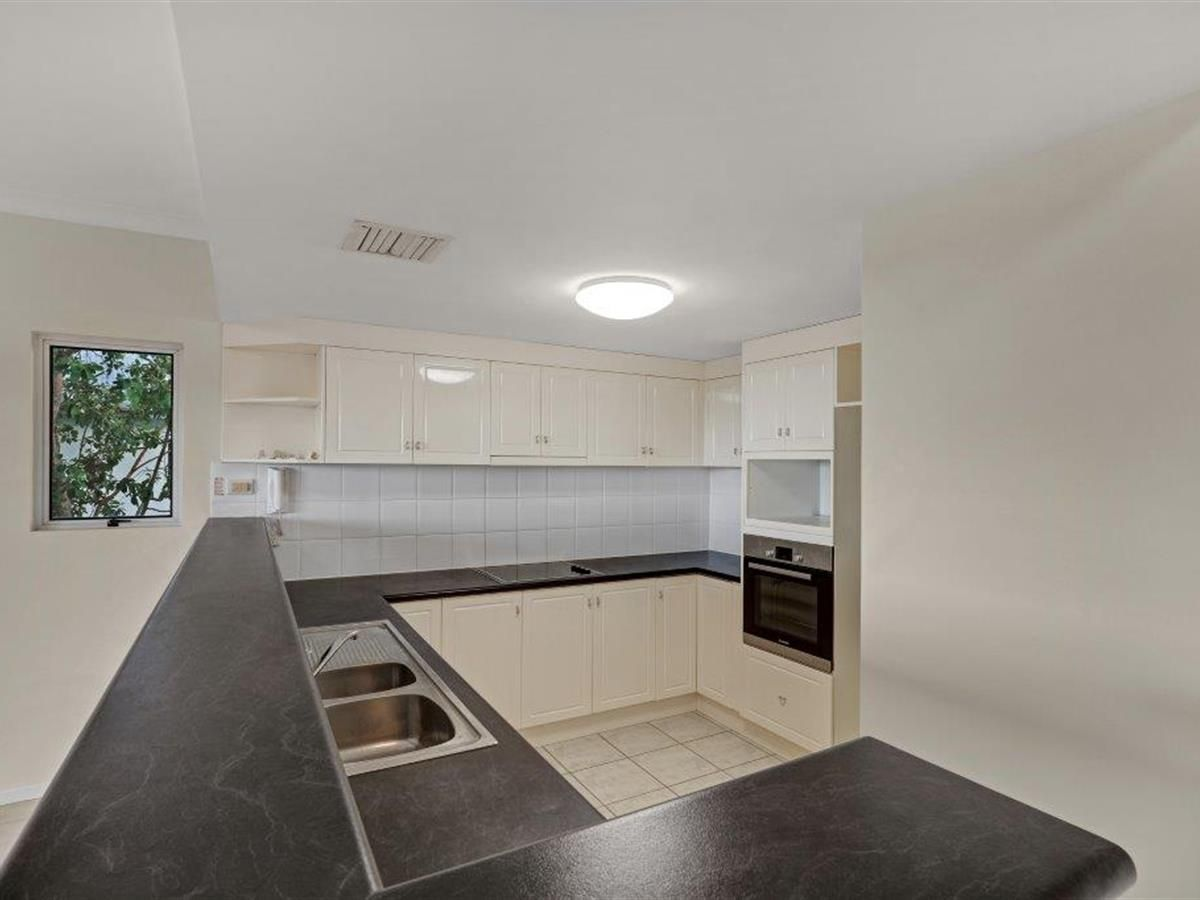 12/8 Munro Terrace (House on the Hill), Mooroobool QLD 4870, Image 1