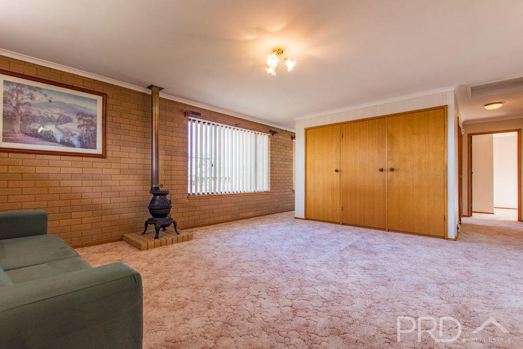 5/7 Mangaroo Avenue, Tumut NSW 2720, Image 2