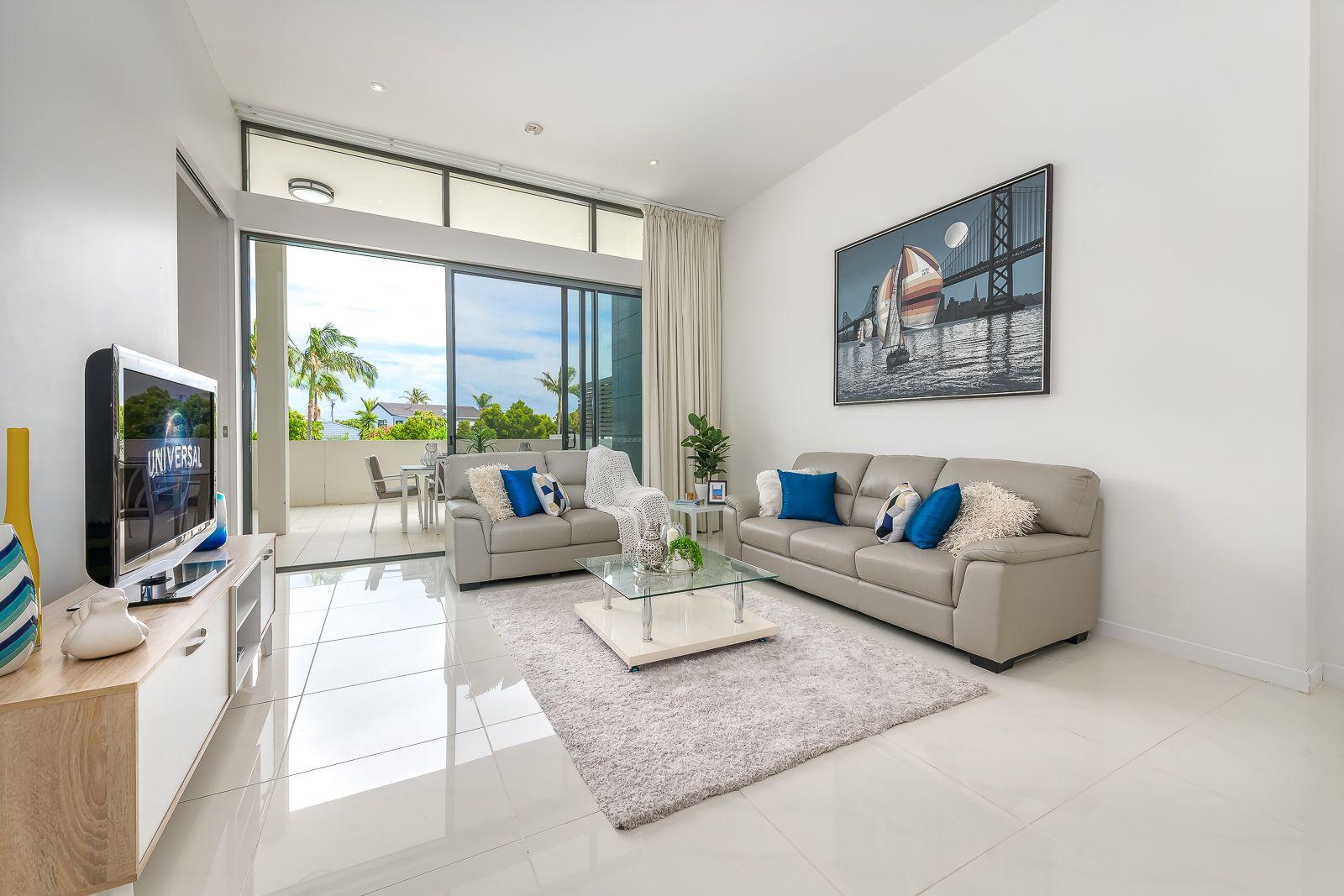 1102/1 Sunset Avenue, Paradise Point QLD 4216, Image 2