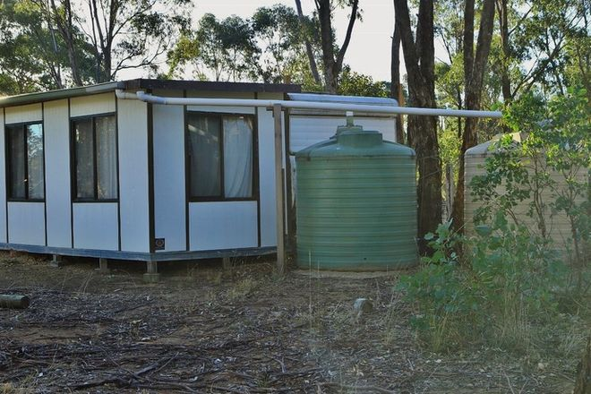 Picture of 16 Crossley Road, COSTERFIELD VIC 3523