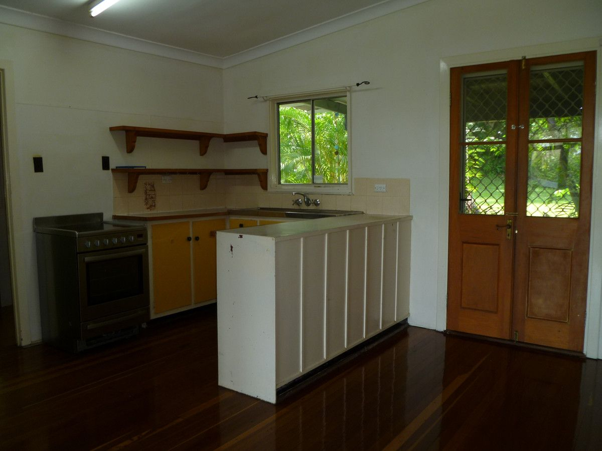 15 Waterfall Road, Nambour QLD 4560, Image 2