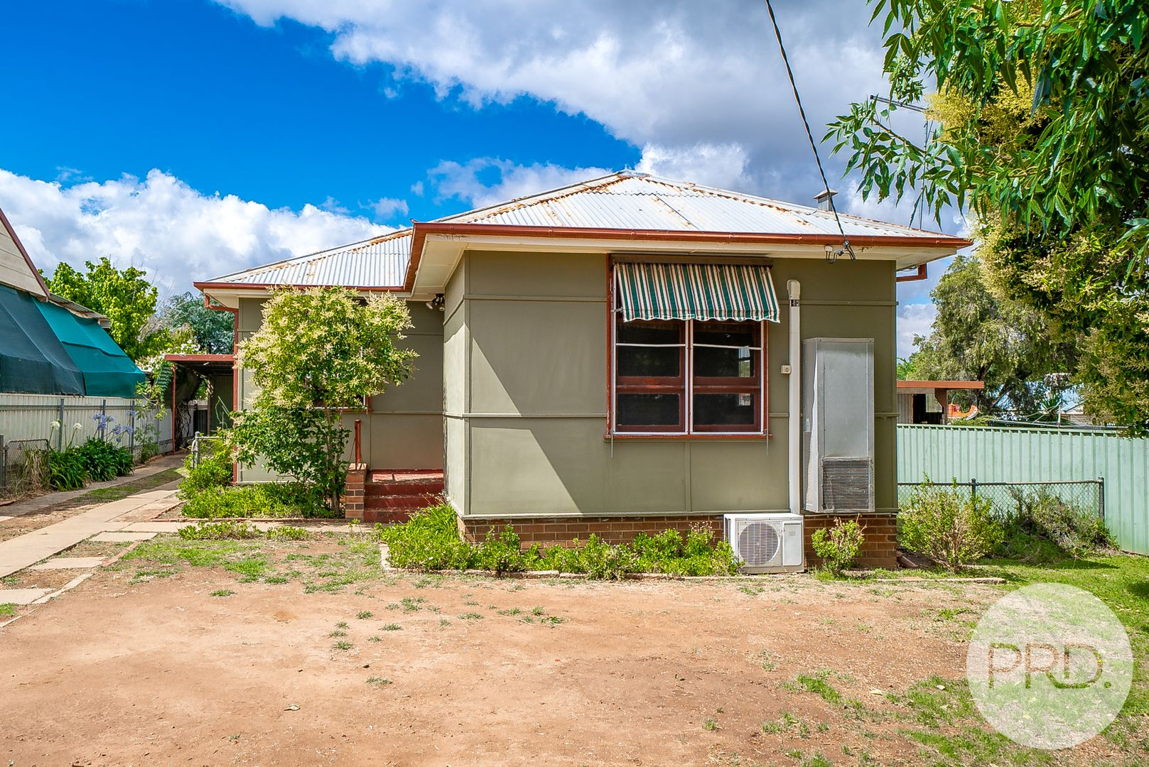 18 McDonough Avenue, Mount Austin NSW 2650, Image 0