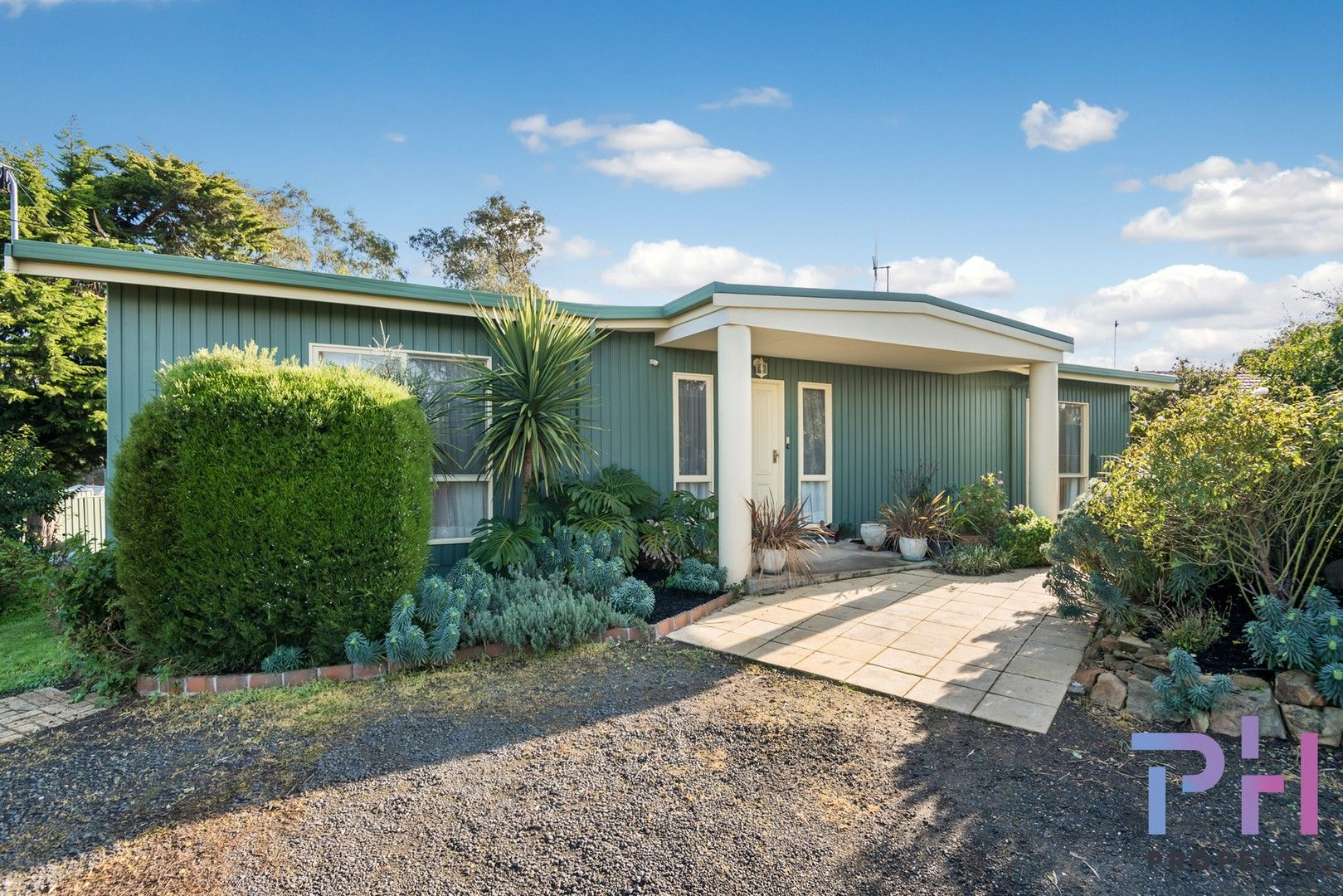24 Shelley Street, Spring Gully VIC 3550, Image 1