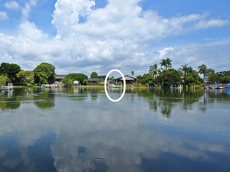 76 Savoy Drive, Broadbeach Waters QLD 4218, Image 0
