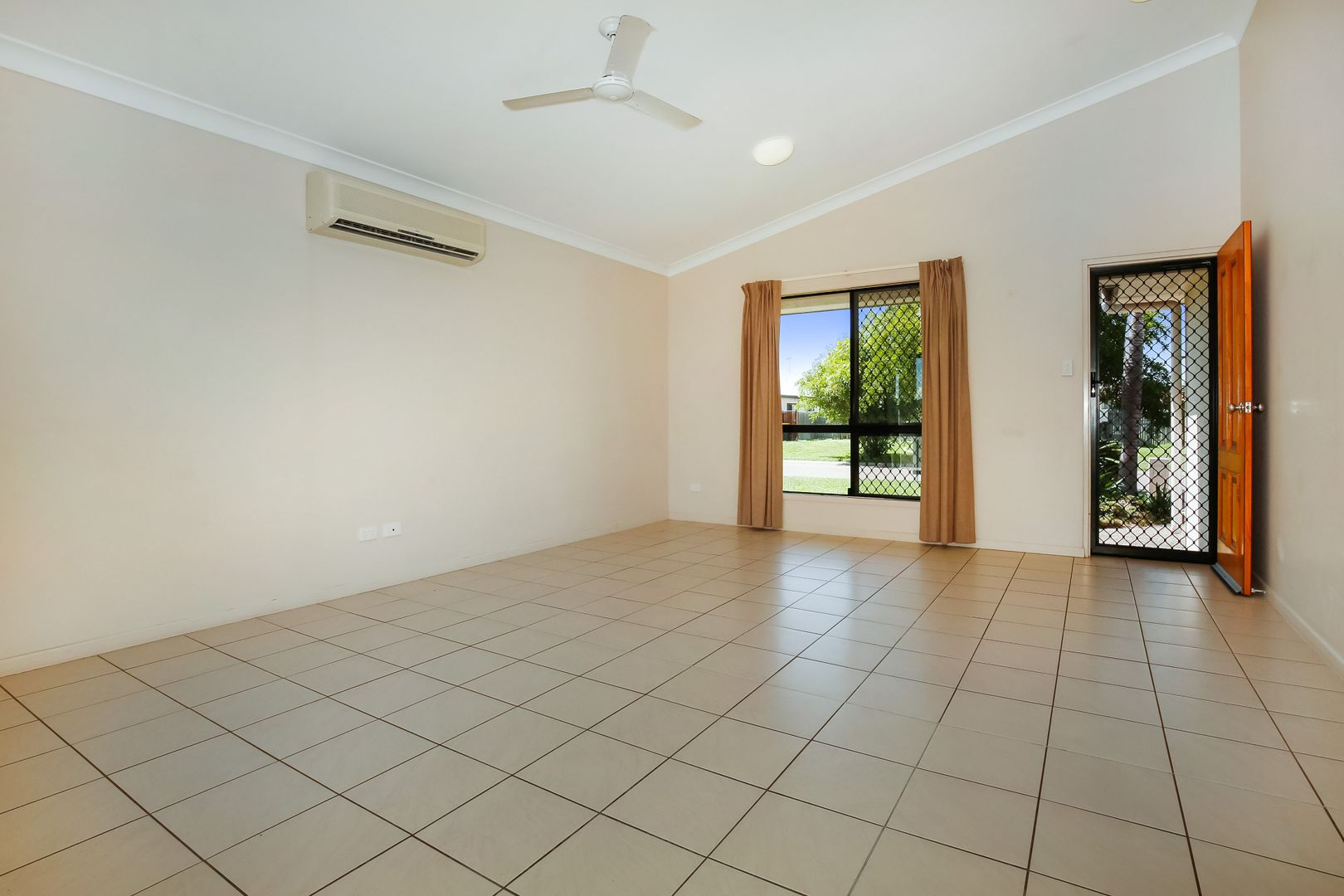 12 Ripon Court, Mount Low QLD 4818, Image 1