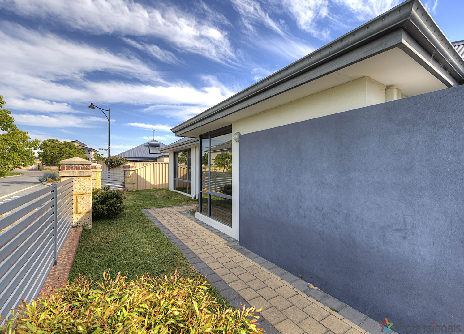 5 The Embankment, South Guildford WA 6055, Image 2