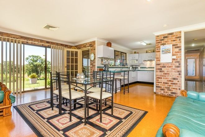 Picture of 318 Cabbage Tree Road, WILLIAMTOWN NSW 2318