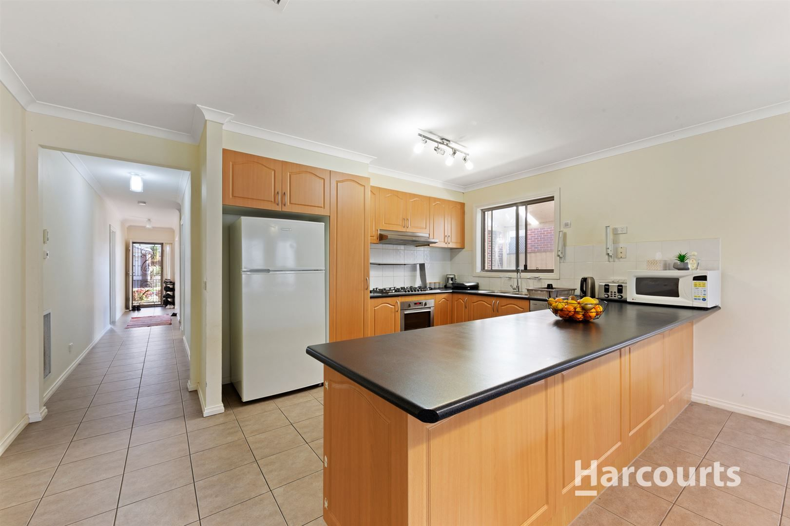 27 Cunningham Chase, Burnside Heights VIC 3023, Image 2
