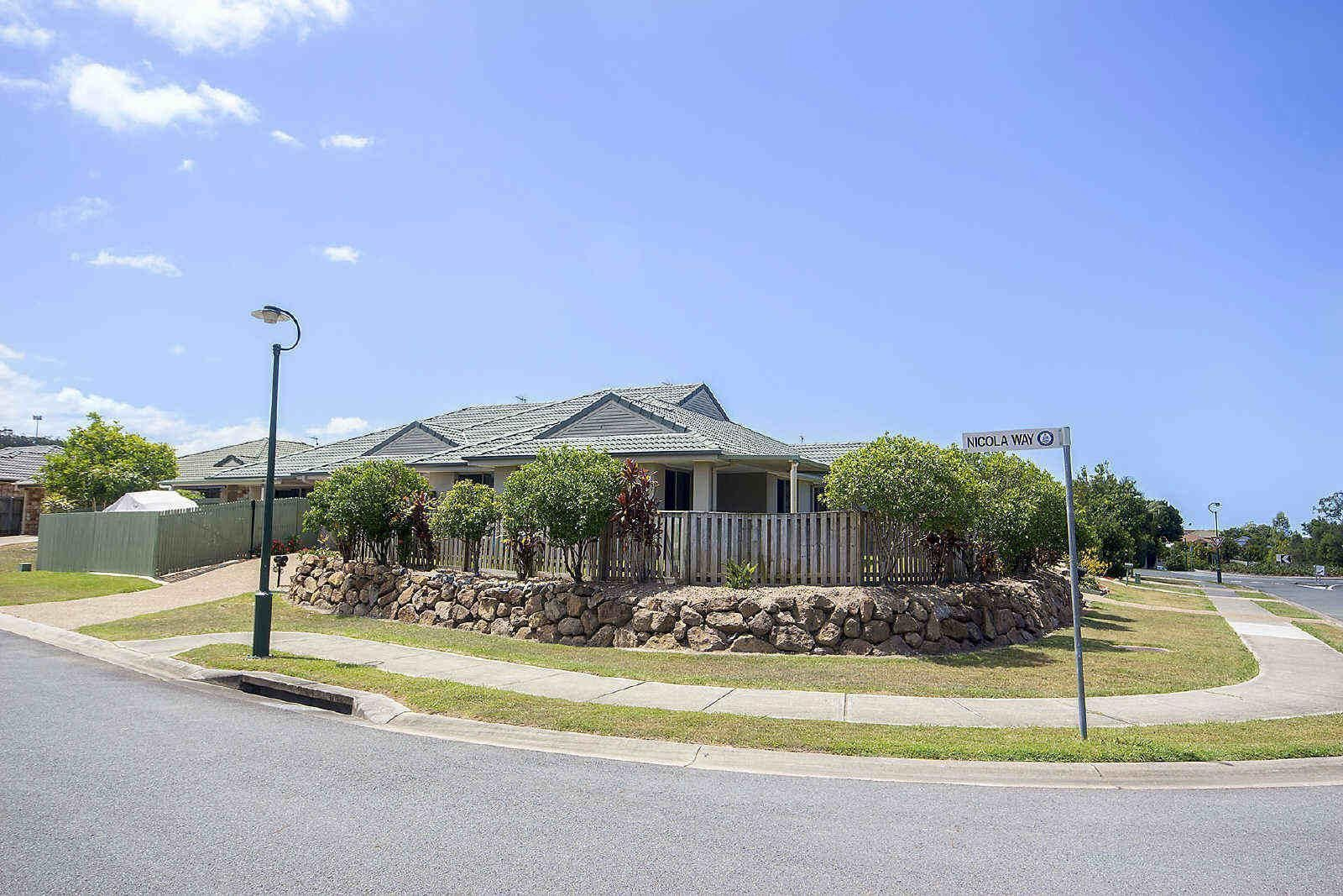 2/5 Schmarr Avenue, Upper Coomera QLD 4209, Image 0