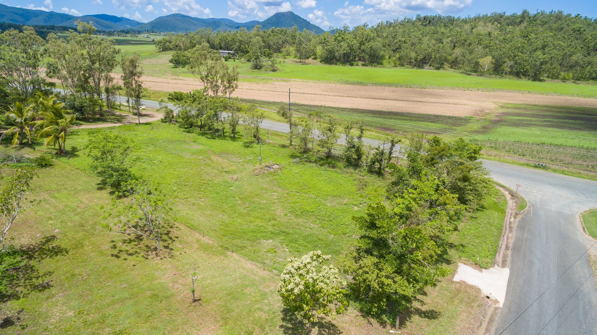 Lot 4 Staniland Drive, Strathdickie QLD 4800, Image 2