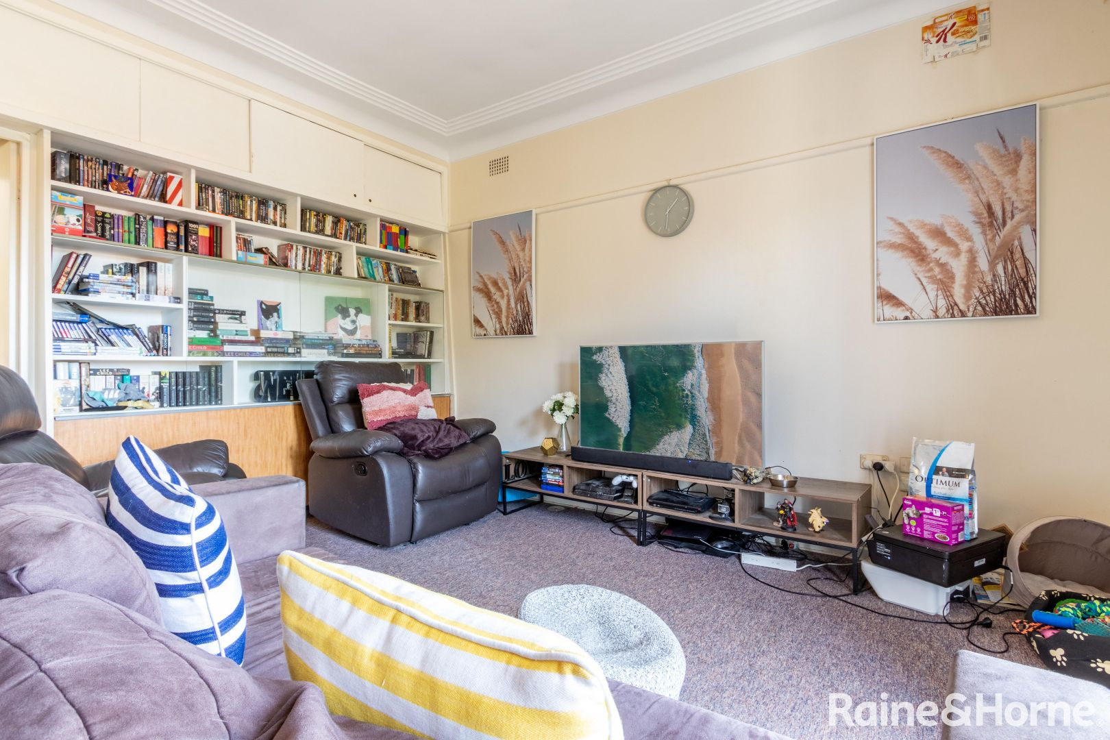 198 Browning Street, Mitchell NSW 2795, Image 2