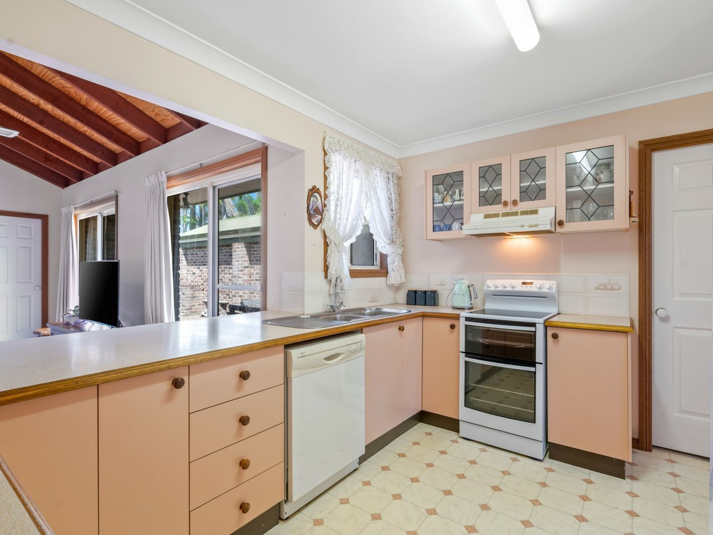 5 Japonica Close, Lake Haven NSW 2263, Image 2