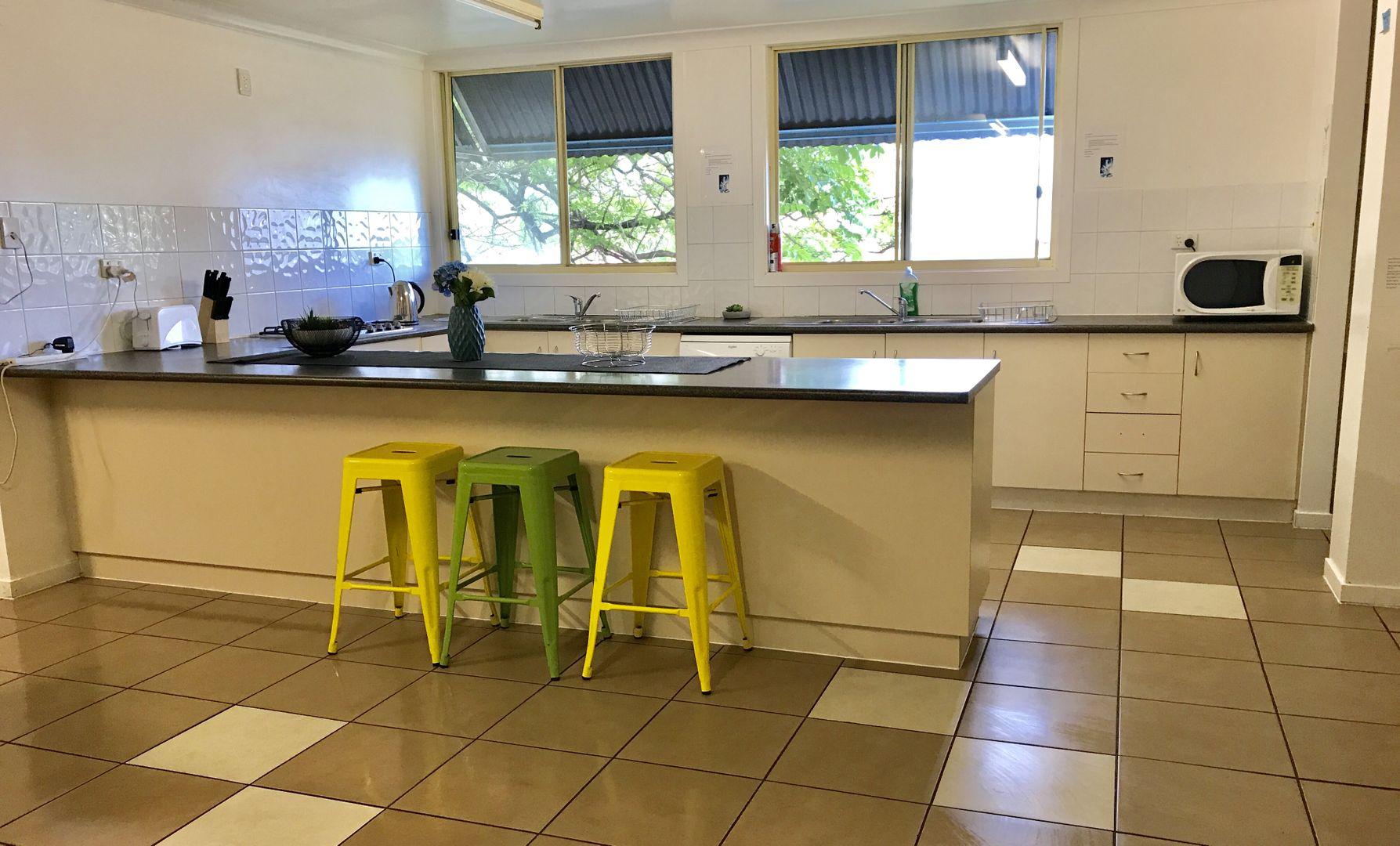 8Dwn/11 Cunningham Street, Taringa QLD 4068, Image 2