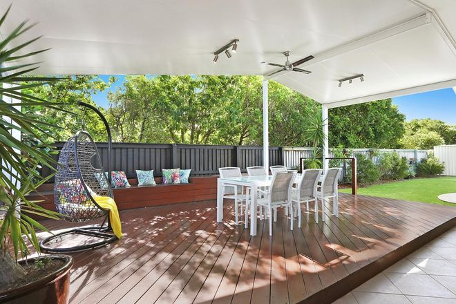 Picture of 7 Sardinia Place, KAWANA ISLAND QLD 4575