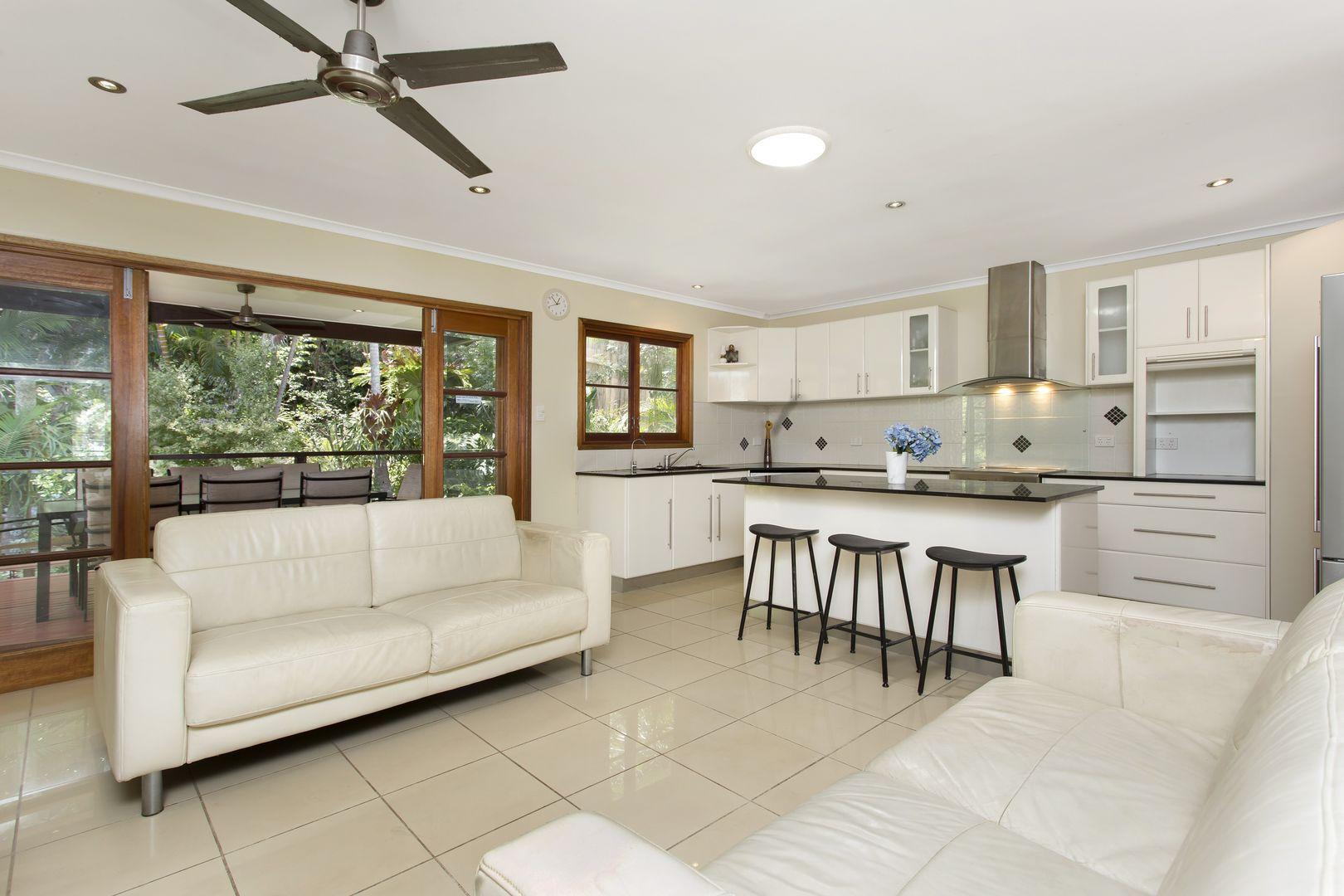 61 Dobbs Street, Holland Park West QLD 4121, Image 0