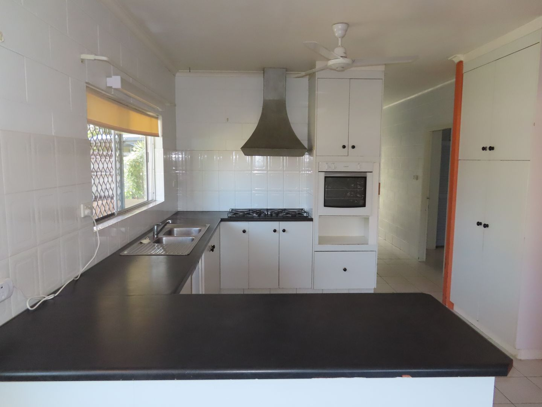 53 Wattle St, Yorkeys Knob QLD 4878, Image 2