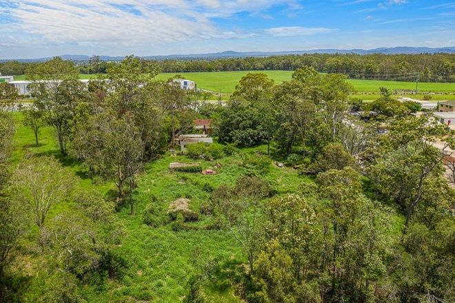 Picture of 157 Dohles Rocks Road, KALLANGUR QLD 4503