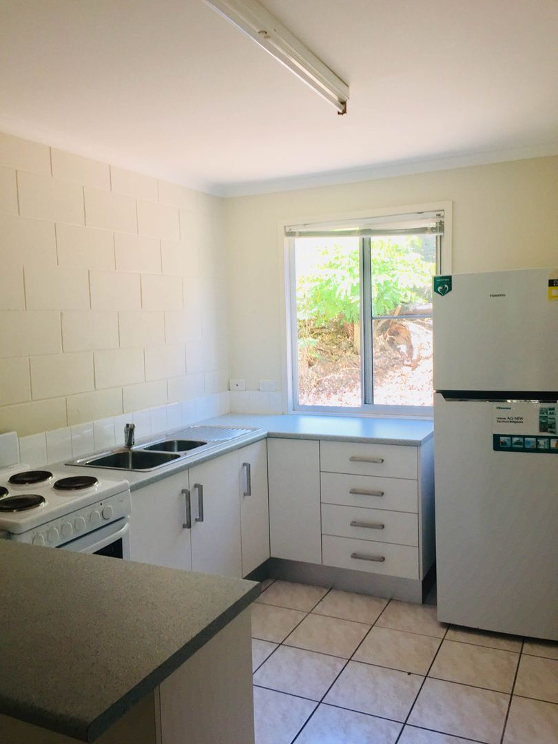 4/6 Pioneer Bay Apartments, St Martins Lane, Cannonvale QLD 4802, Image 1