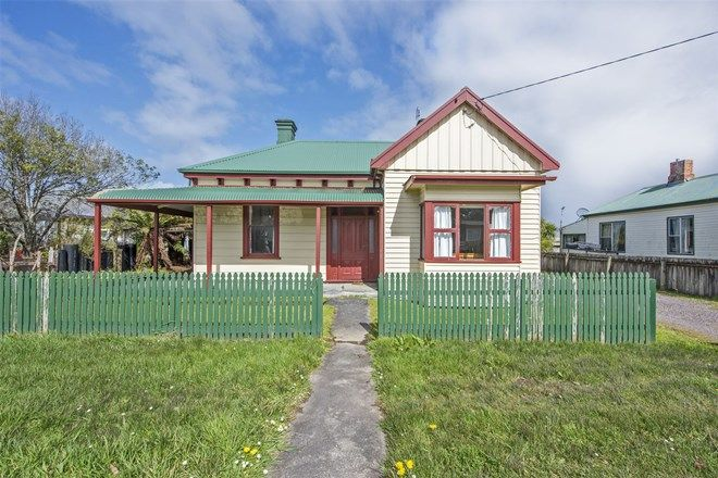 Picture of 11 Harvey Street, STRAHAN TAS 7468