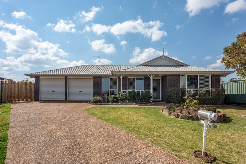3 Oaklands Court, Glenvale QLD 4350, Image 0