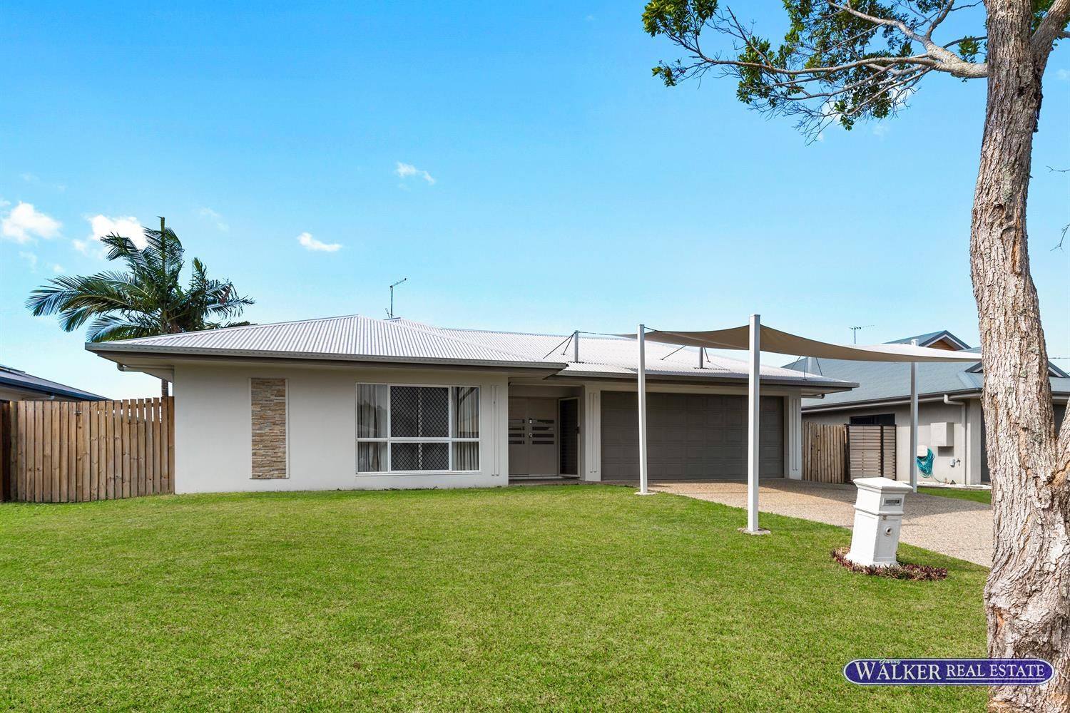 4 bedrooms House in 11 Hopkins Street WHITE ROCK QLD, 4868