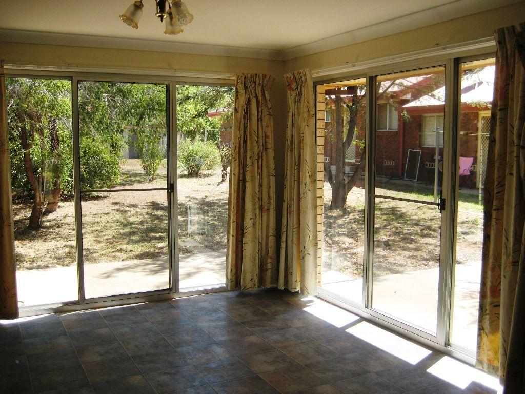 25 Lamrock St, Cobar NSW 2835, Image 2