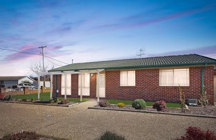 Picture of 1/64 Thorpe Avenue, Queanbeyan NSW 2620