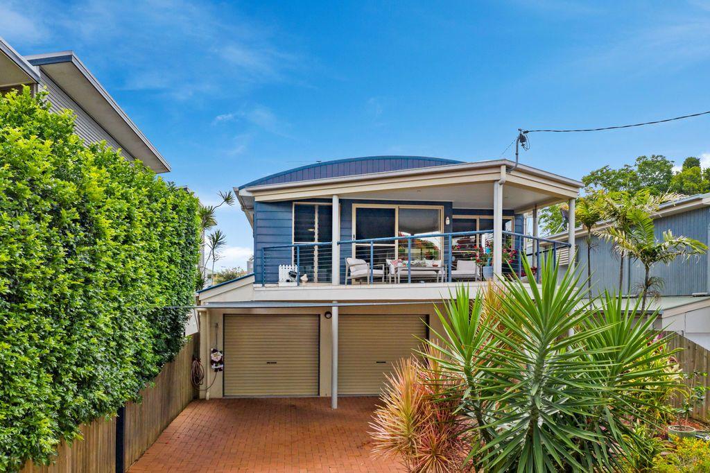11 Broadwater Terrace, Redland Bay QLD 4165, Image 0