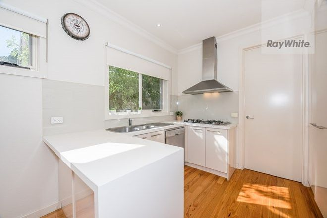 Picture of 2/133 Mountain View Road, BRIAR HILL VIC 3088