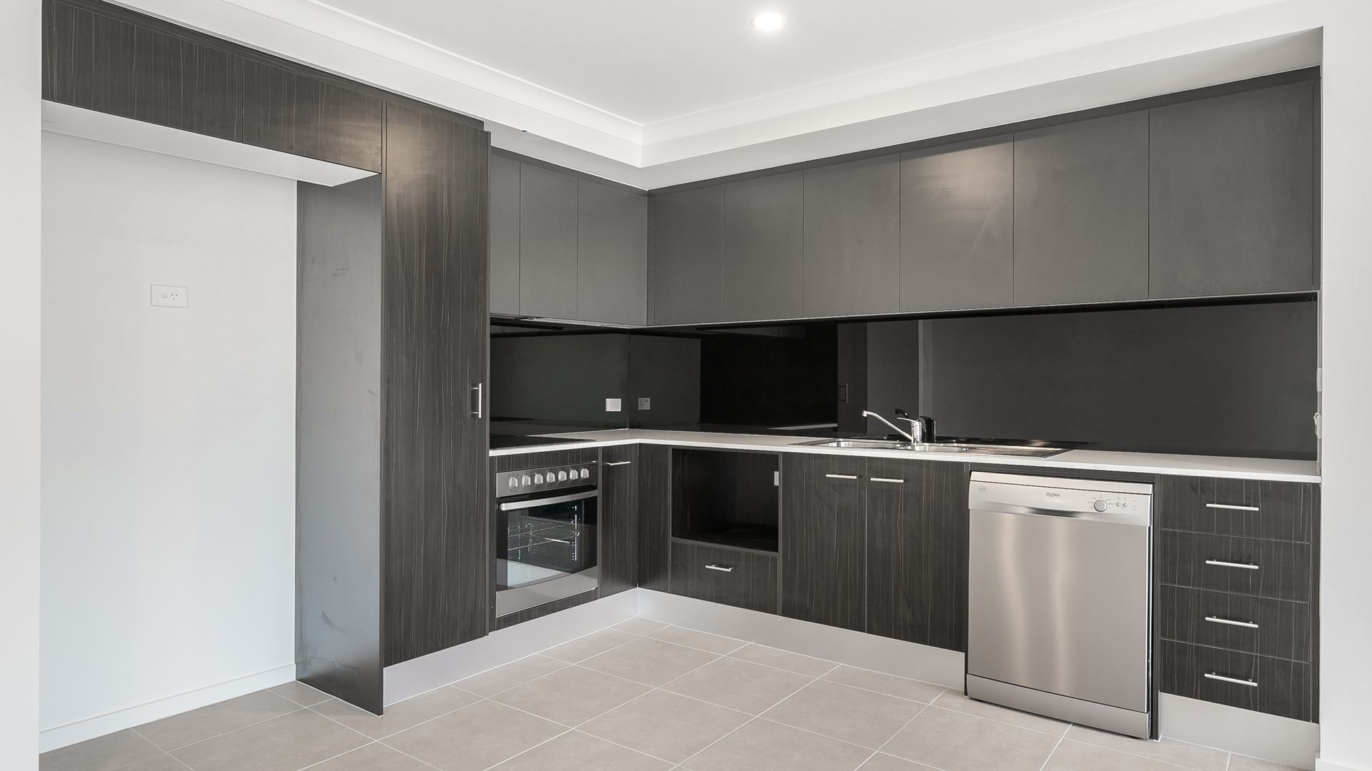 370 Gainsborough Drive, Pimpama QLD 4209, Image 2