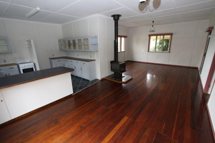 18 Webster Street, Kingaroy QLD 4610, Image 2