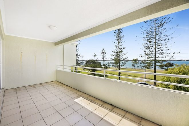 Picture of 6/194 Marine Parade, LABRADOR QLD 4215