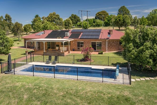 Picture of 1 Ambleside Avenue, MURRUMBATEMAN NSW 2582