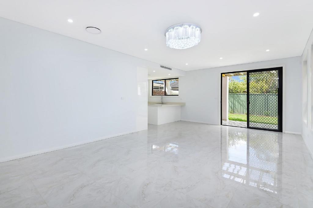 8a Lurnea Avenue, Georges Hall NSW 2198, Image 2