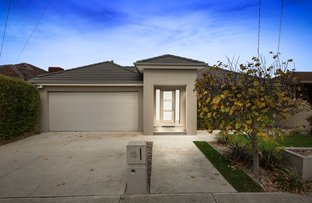 Picture of 15 Charmaine  Avenue, Avondale Heights VIC 3034