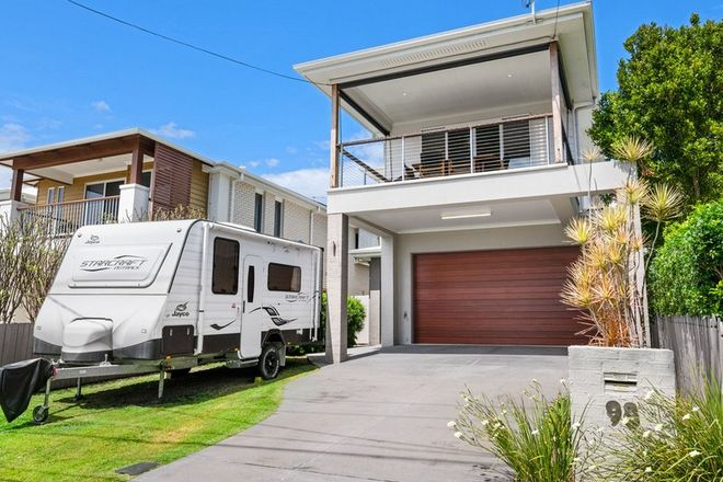 Picture of 98 Waterview Avenue, WYNNUM QLD 4178