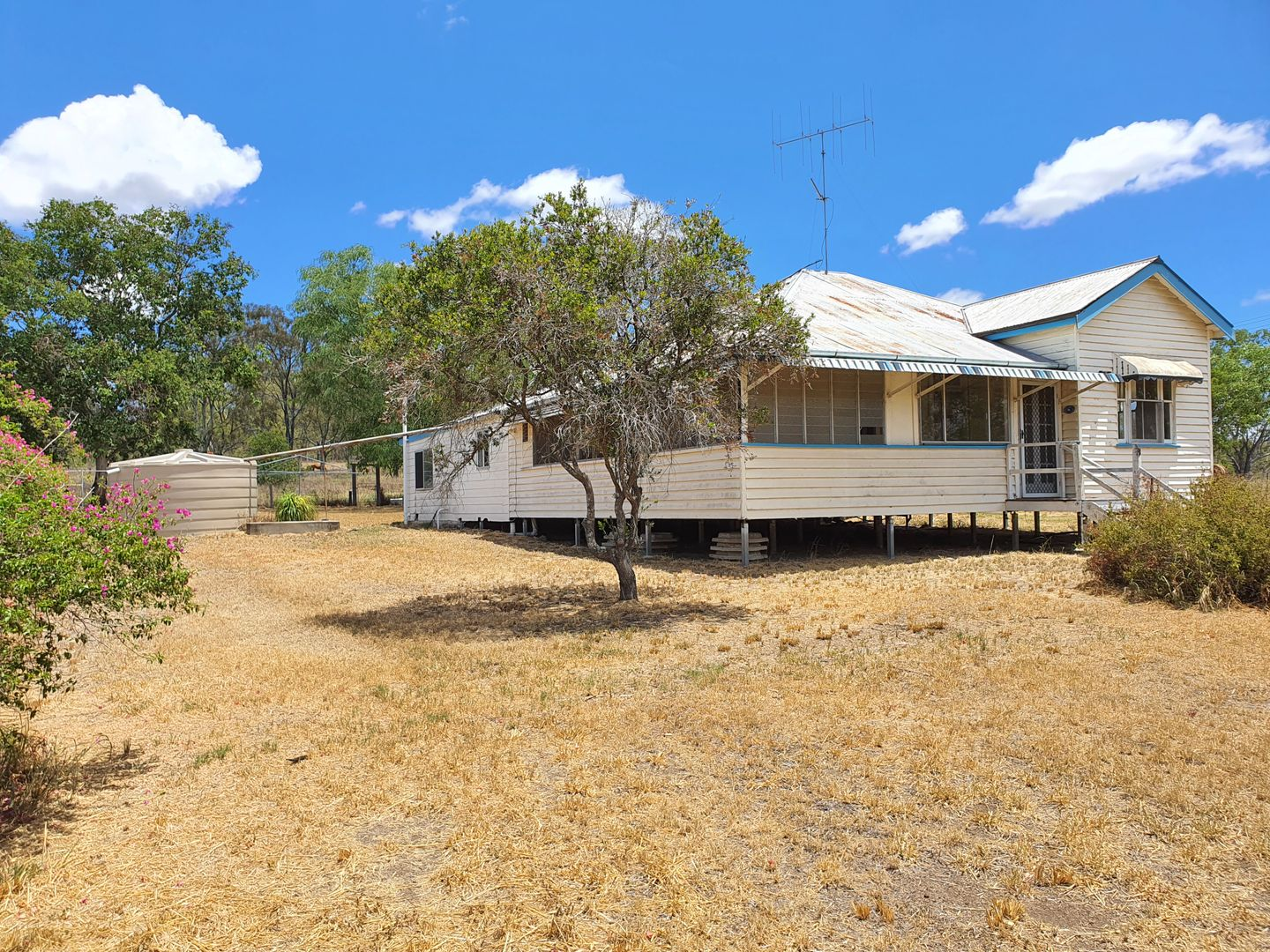 16 Golf Links Road, Monto QLD 4630, Image 0