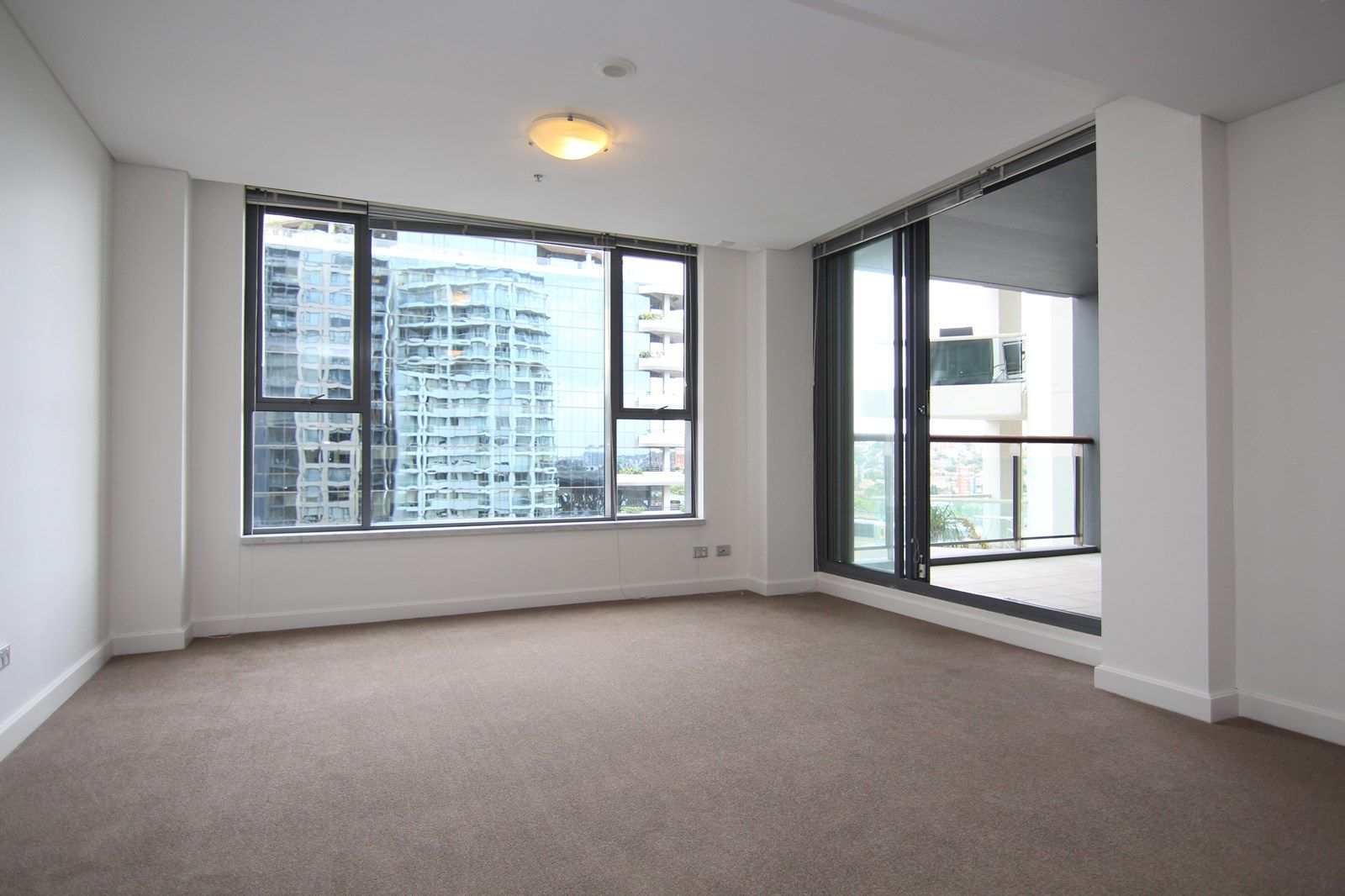 1205/2 Dind Street, Milsons Point NSW 2061, Image 2