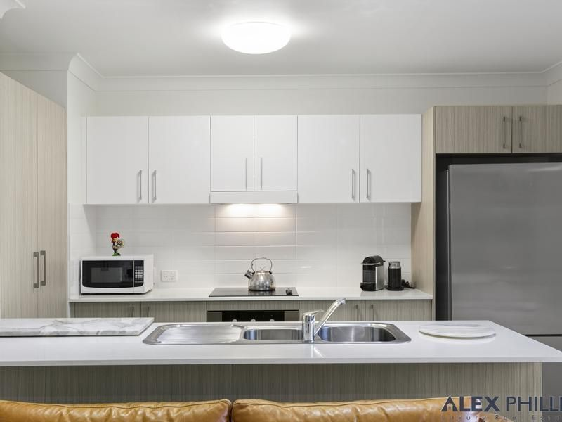 1/126-134 Central Street, Labrador QLD 4215, Image 1