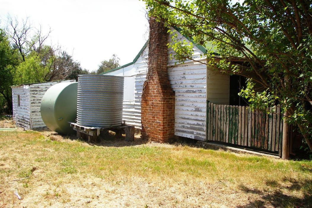 91 Bendemeer Road, Uralla NSW 2358, Image 2