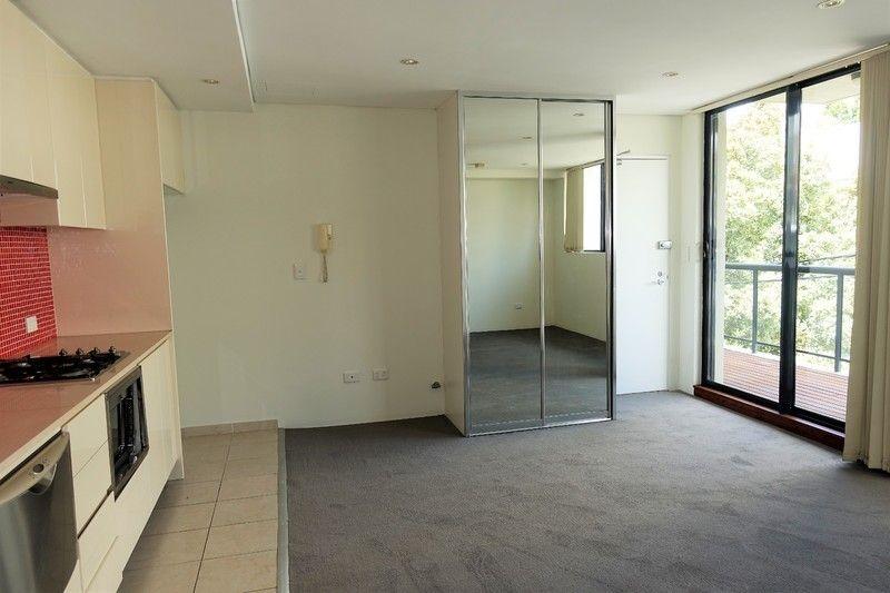 6/18-22 Purkis Street, Camperdown NSW 2050, Image 2