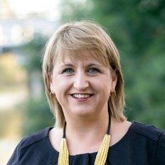 Jodie Wilson, Sales representative
