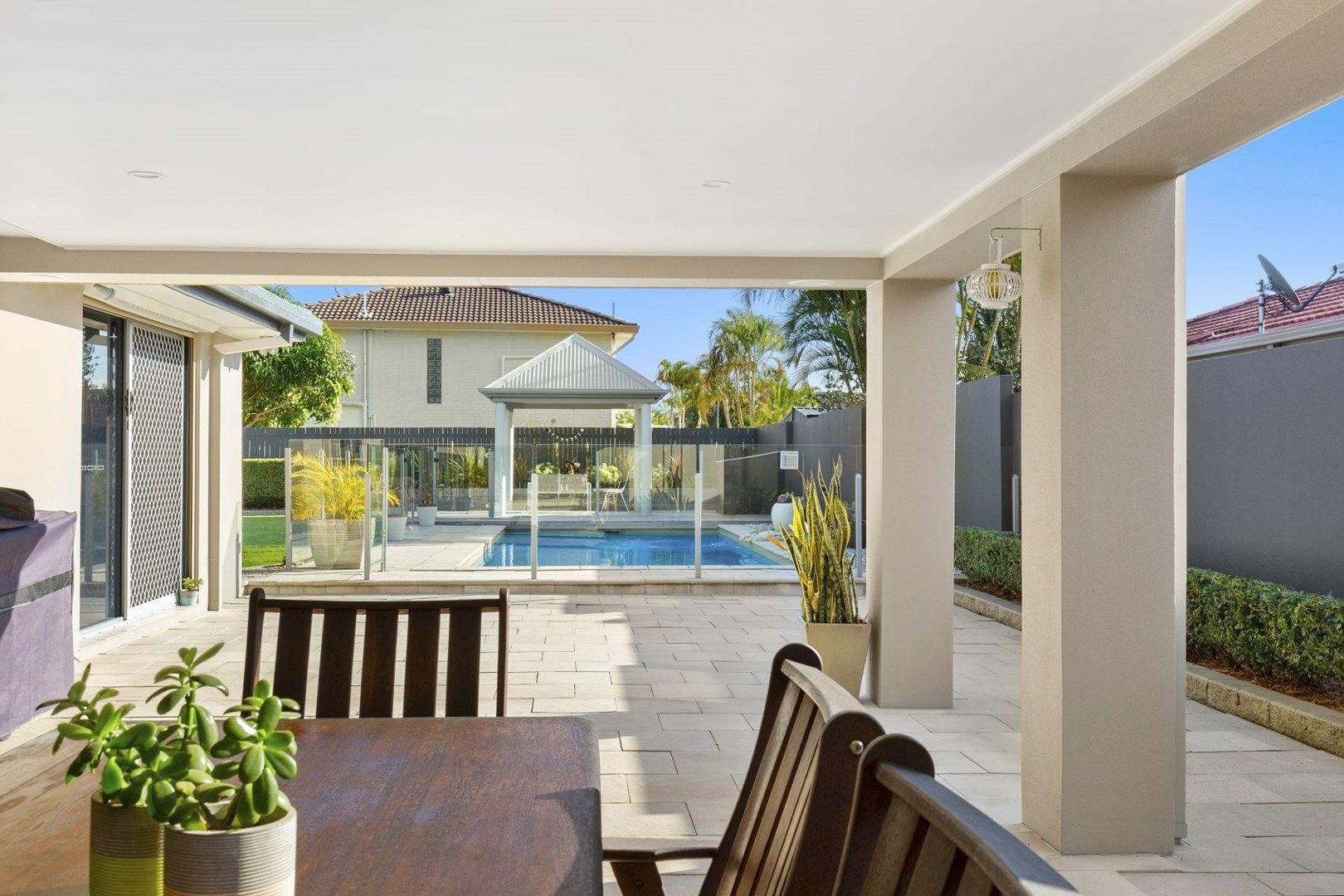 17 McIlwraith Avenue, Sorrento QLD 4217, Image 2