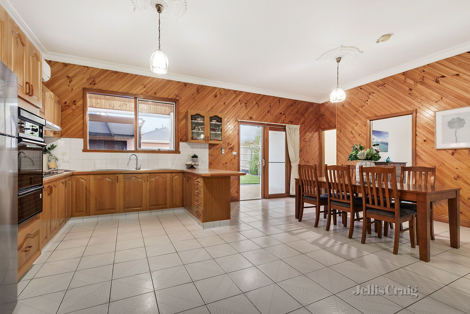 25 Leinster Street, Ormond VIC 3204, Image 2