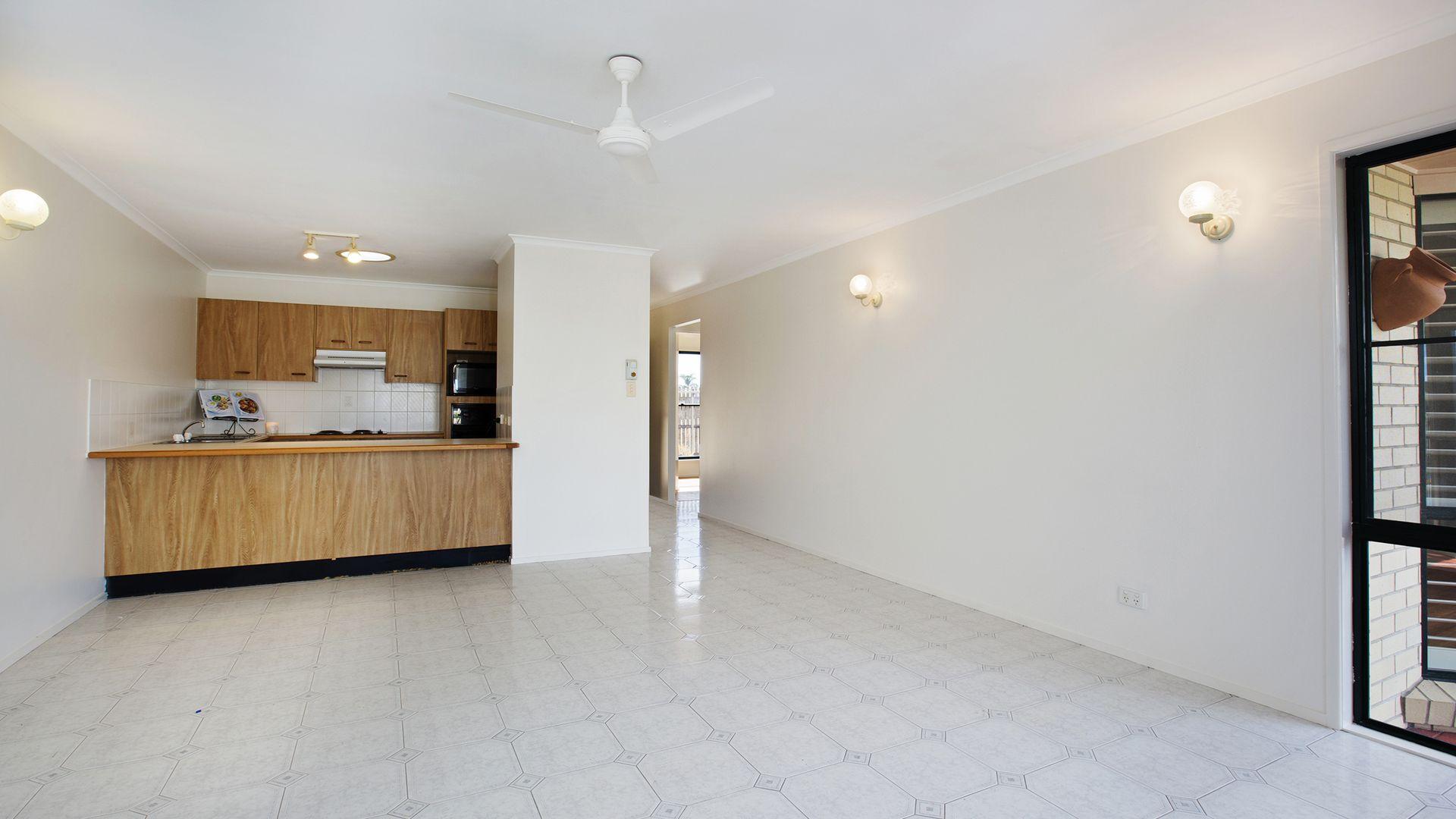 195/4 Melody Court, Warana QLD 4575, Image 2
