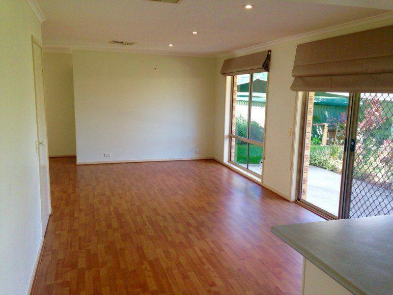 3 Quinton Court, West Albury NSW 2640, Image 2