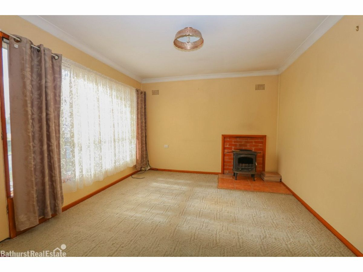 2 Lloyds Road, South Bathurst NSW 2795, Image 1